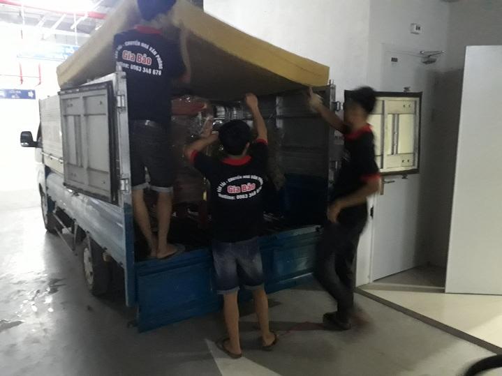 Cho thuê xe taxi tải Hà Nội giá rẻ, phục vụ 24/7 gọi 0963.348.678